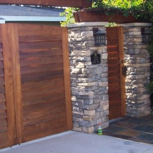 landscape-design-ideas-for-creative-front-yard-enclosures-give-privacy-920x380