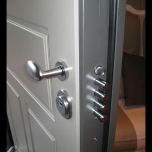 porte-blindate-armoured-doors-puertas-blindadas1